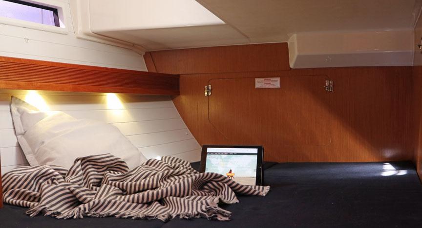 geräumige Achterkabine - Doppelbett mit Fenster