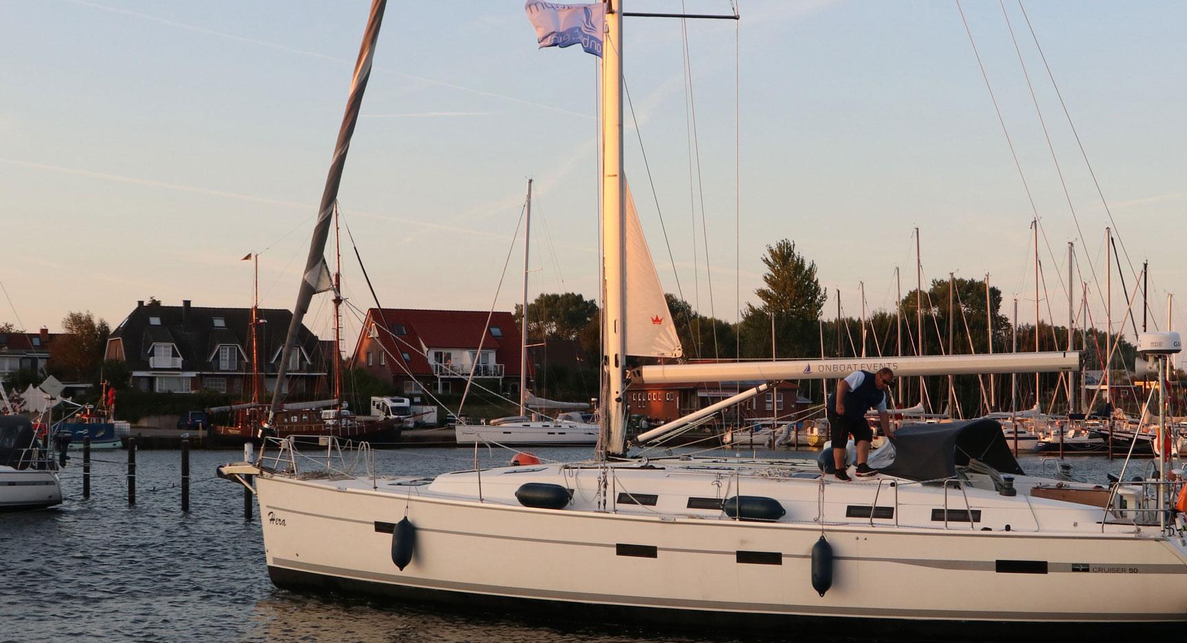 Das Backbordprofil von Hera - eine 50 Bavaria Cruiser