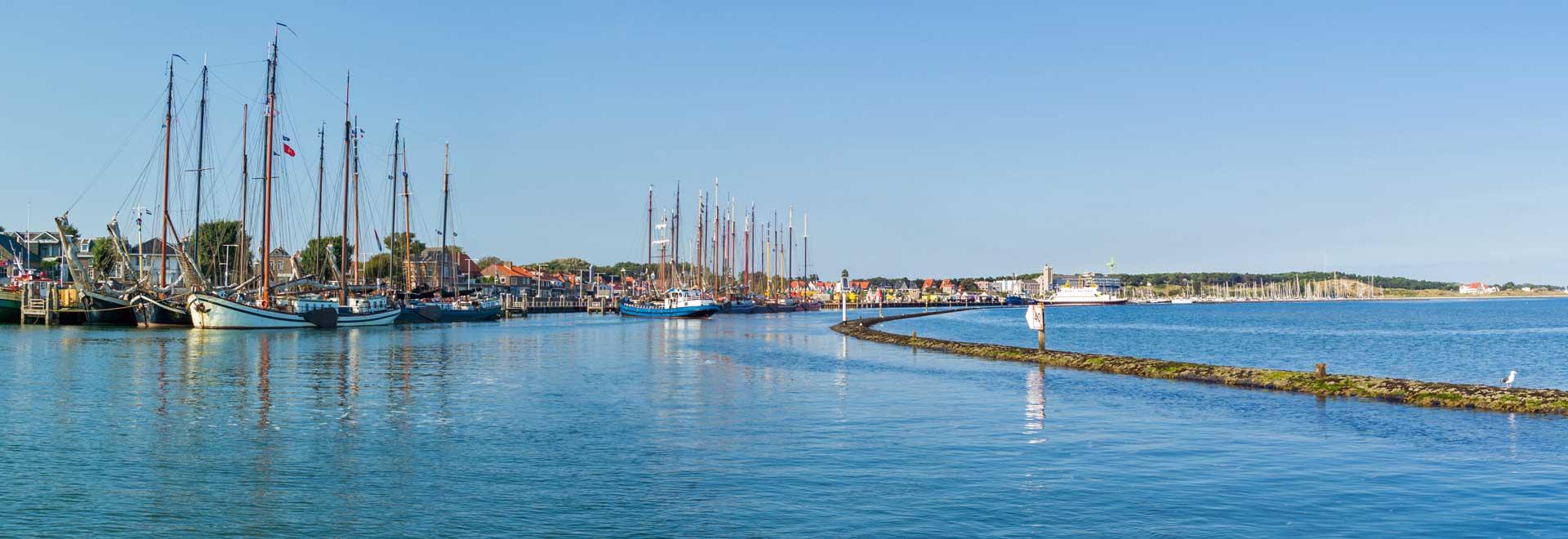 Panorama des Hafens der niederländische Nordseeinsel Terschelling