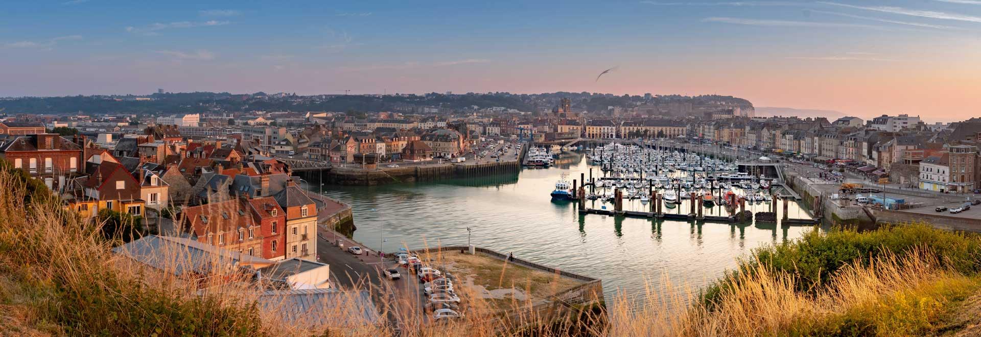 Sonnenuntergang bei Boulogne Sur Mer mit Blick zur Hafeneinfahrt
